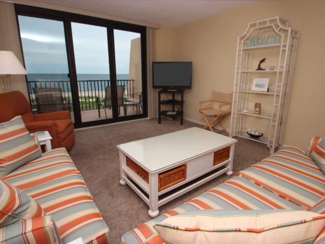 Living area - Island Club, 5504 - Hilton Head - rentals