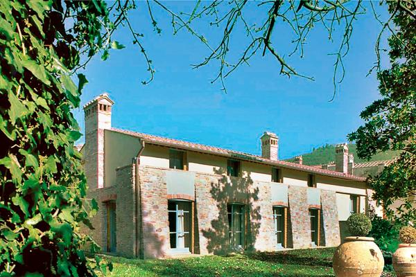 Located in Valdarno, the cornerstone of this estate is a restored convent from the late 17th century. HII MAG - Image 1 - Florence - rentals