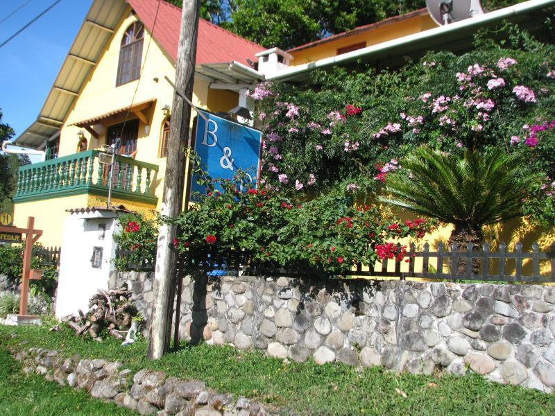 first view of Casa Volcan - Casa Volcan - Volcan - rentals