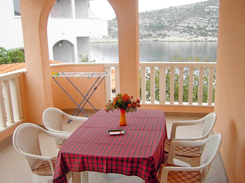 Apartments Mate - 27281-A4 - Image 1 - Razanj - rentals