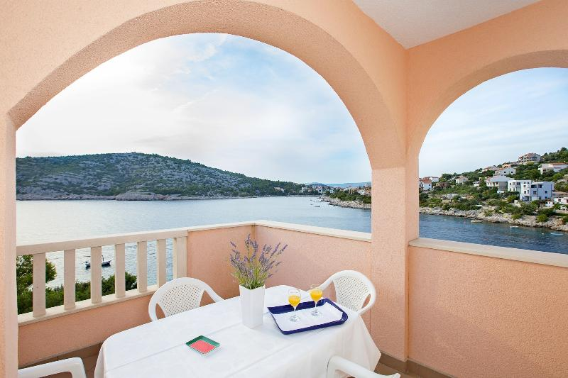 Apartments Mate - 27281-A1 - Image 1 - Razanj - rentals