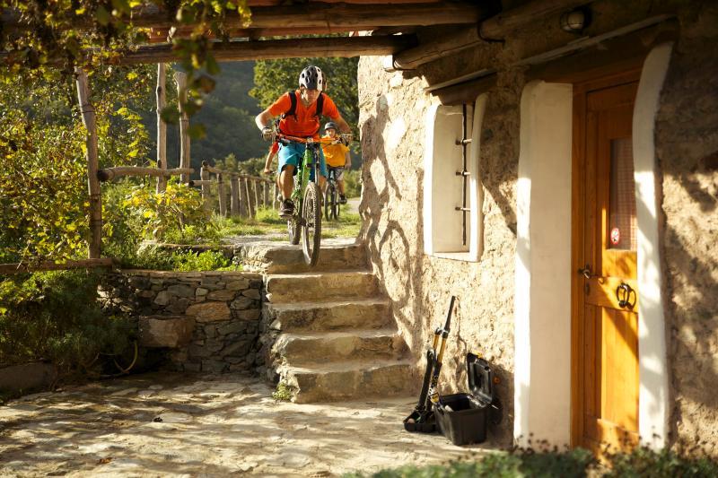 Ciapin Mountainbike Lodge : ride  straight from your doorstep! - Ride straight from your doorstep,  Finale Ligure - Finale Ligure - rentals