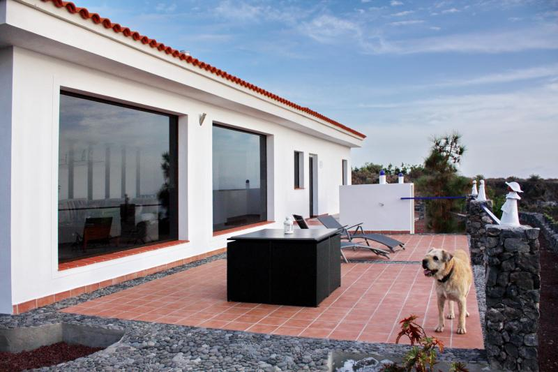 Luxury villa for up to 4 on Tenerife's west coast - Image 1 - Guia de Isora - rentals
