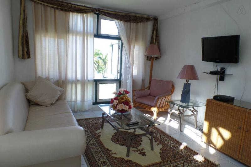 sitting area - Seacastles  Beach Penthouse  apartment - Montego Bay - rentals