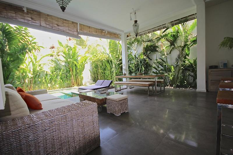 Sitting room - 700m Beach & Center - Quiet & Tropical - Kuta - rentals