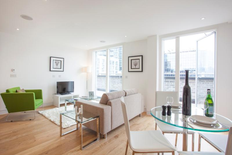 1 Bed State of Art Old Street Apartments - Image 1 - London - rentals