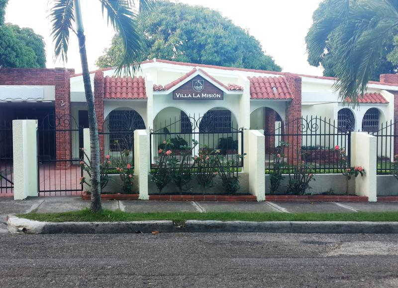 Ideal for large families & groups, in town. - Image 1 - Puerto Plata - rentals