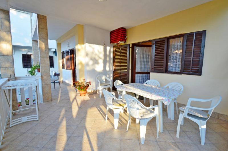 Apartment Habdija - 20471-A1 - Image 1 - Vrsi - rentals