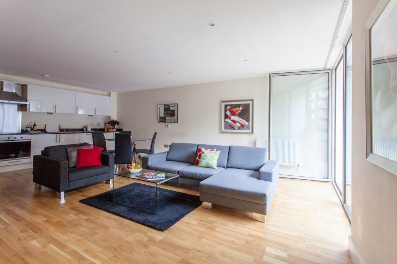 Canary Wharf Vacation Rental in London - Image 1 - London - rentals