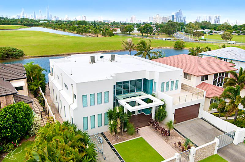 THE WHITE HOUSE GC - Image 1 - Gold Coast - rentals
