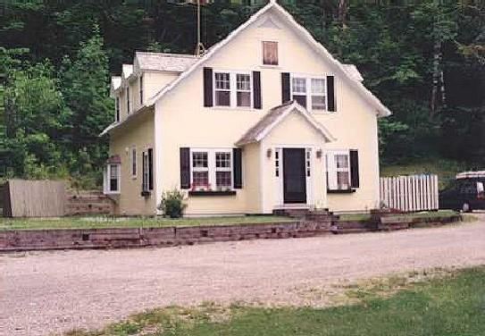 Walking Distance into Village - tucked away above town in quiet location - Classic Stowe Vermont House - Walk into Village - Stowe - rentals