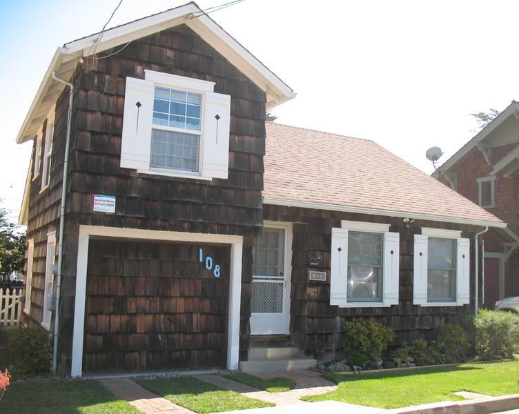 Front of House - 108/Seabright Views *WALK TO BEACH* - Santa Cruz - rentals