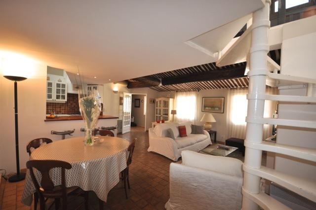 3 Bedroom Apartment Entrecasteaux with Terrace, Do - Image 1 - Aix-en-Provence - rentals