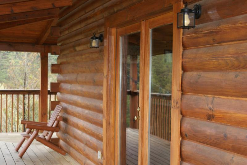 Entrance to front of cabin - Mountain Escape, Douglas Lake, Sevierville,TN - Sevierville - rentals