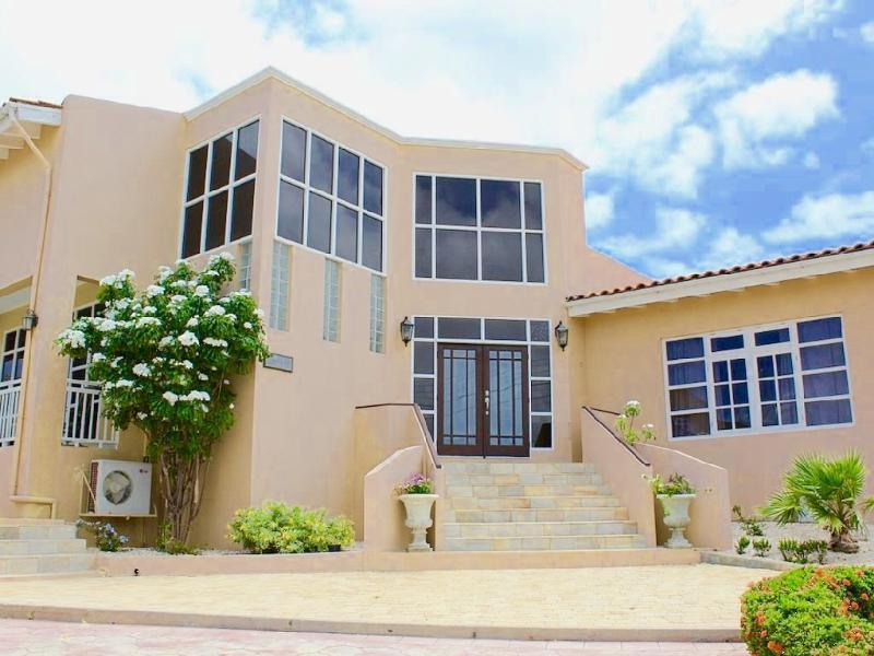 R & R Aruba Villa - ID:65 - Image 1 - Aruba - rentals