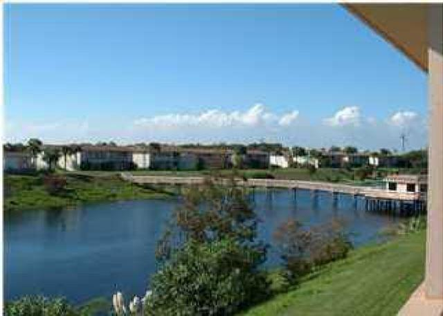 Close to the BEACH in the HEART OF DESTIN! First floor unit with easy access! - Image 1 - Destin - rentals