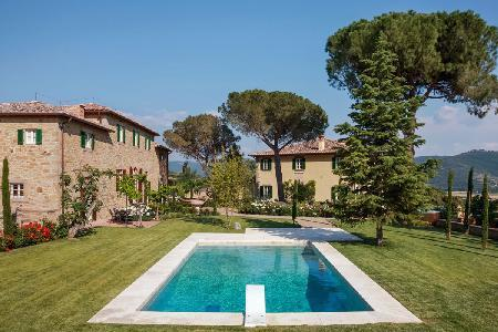 "Villa Laura- set for the film ""Under the Tuscan Sun"" - travertine pool, jacuzzi & countryside views - Image 1 - Cortona - rentals"