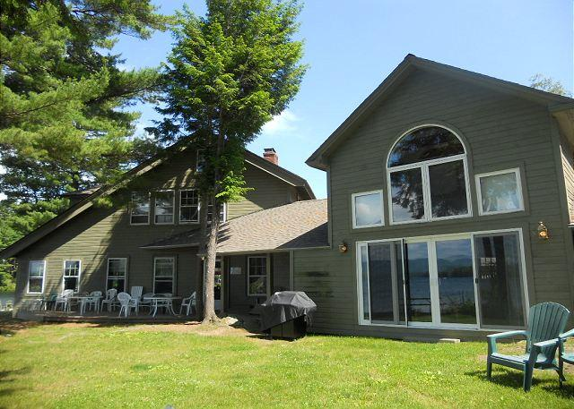 Exterior View - North Wing at Oliver Lodge on Lake Winnipesaukee (1NWING) - Meredith - rentals