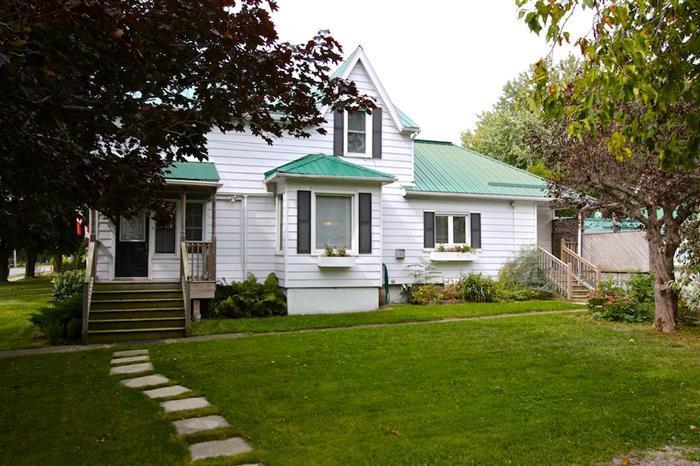 Addyton House - Image 1 - Prince Edward County - rentals