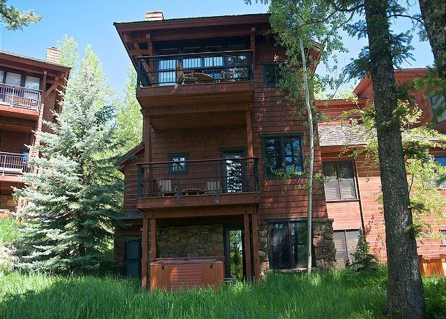 End Unit with 3 Levels of Private Living! - Ski in and out from this private community at the base of Jackson Hole! - Teton Village - rentals