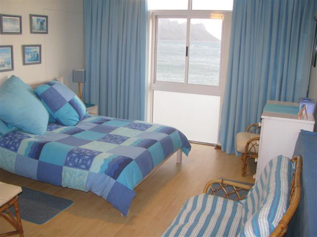 1 bedrom with queen-sized bed.  Sea view. - 302 Strandsig - beachfront apartment, great view - Strand - rentals