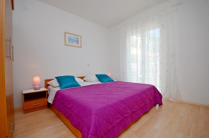 Apartments Grepo Zelenka - 36281-A3 - Image 1 - Makarska - rentals