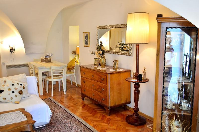 Beautiful 4-star apartment in the 18th century townhouse - Apartment Baroque in the beautiful Old Town - Zagreb - rentals