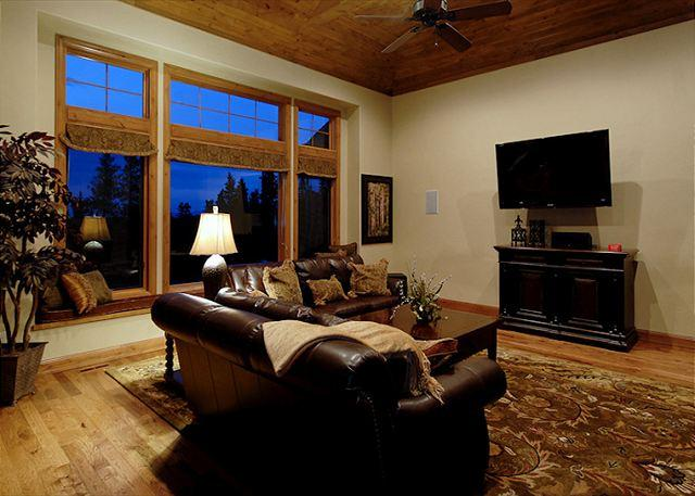 Lofty Peaks Villa - Georgeous 10 Bedroom  Duplex Chateau!  Excellent Views of the ski slopes - Breckenridge - rentals