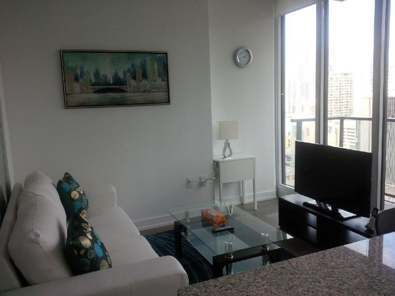 Downtown 1 Bedroom + Spacious Den - Image 1 - Toronto - rentals