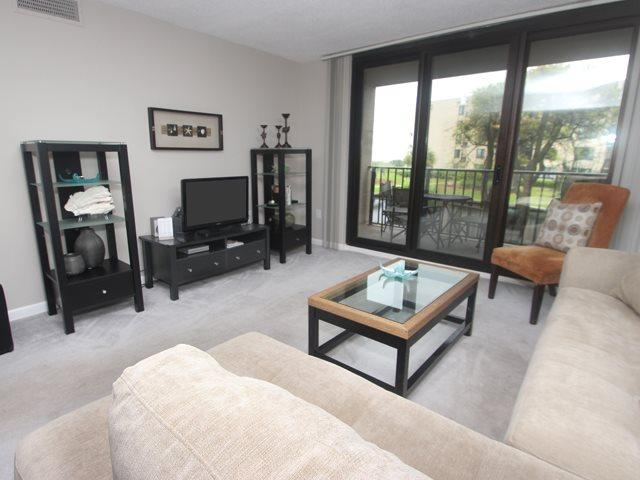 Living area 2 - Island Club, 6204 - Hilton Head - rentals