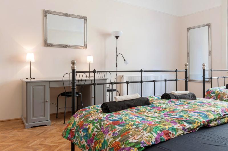 Budapesting's Palatinus Palace Apartment 2Be/2Ba - Image 1 - Budapest - rentals
