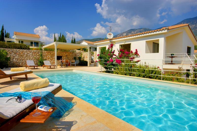 2 Bedroom Grand Villa Littorina - Image 1 - Trapezaki - rentals