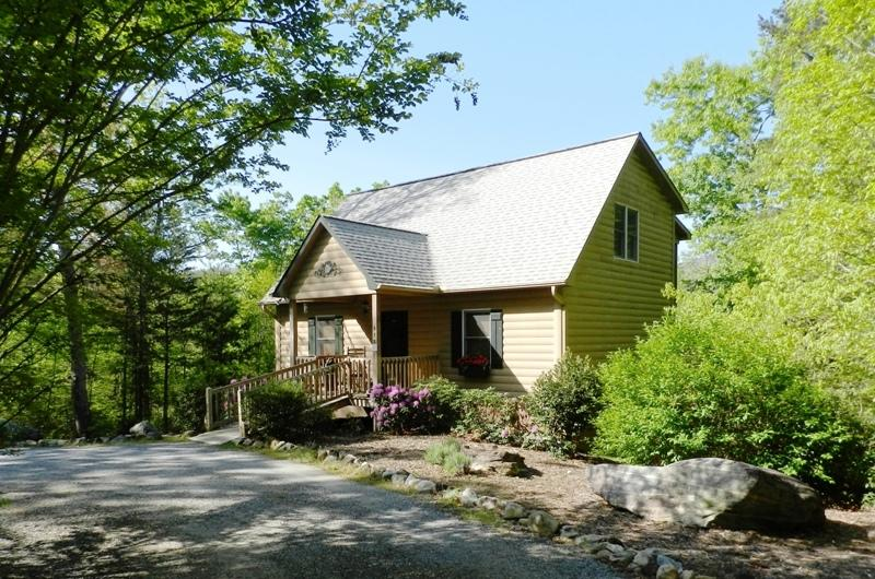 Welcome to Chimney Lure Retreat - Chimney Lure Retreat-Lake Lure Log Cabin Mtn Views - Lake Lure - rentals
