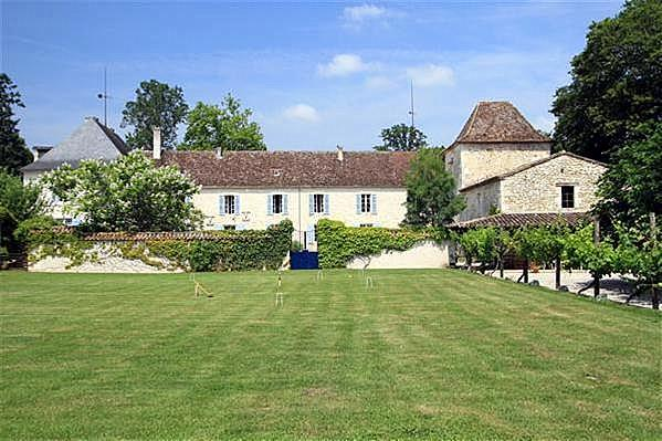 Chateau Issigeac - Image 1 - Montaut - rentals