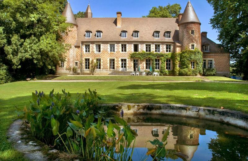 Chateau Du Marquis De Tracy - Image 1 - Paray-Le-Fresil - rentals