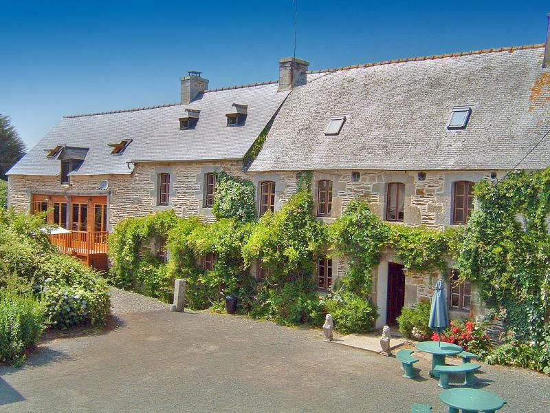 Manoir De Lesuelle - Image 1 - Brelidy - rentals