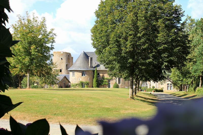 Chateau Flacelliere Pavilion - Image 1 - Pouzauges - rentals