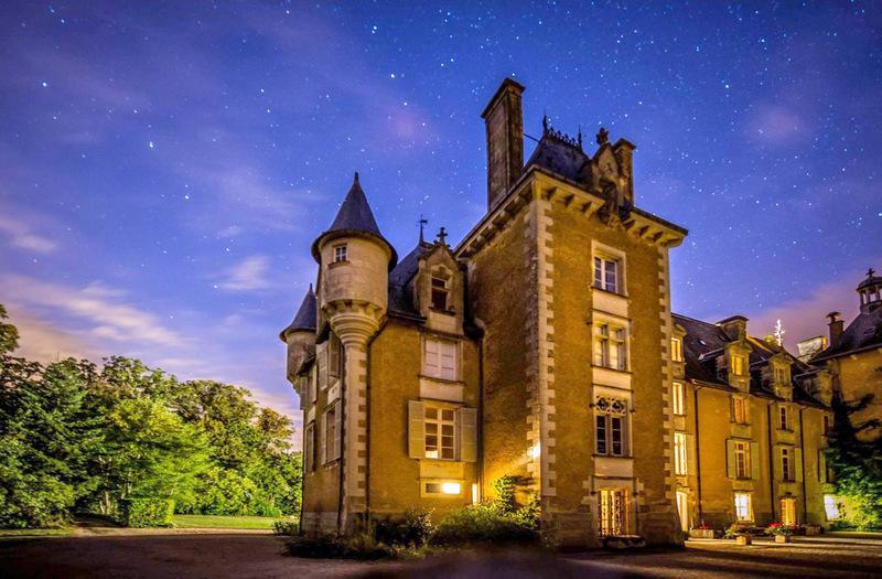 Chateau De St Jean - Image 1 - Saint-Julien-l'Ars - rentals