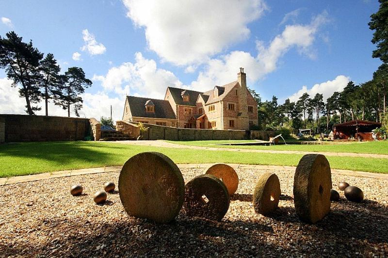 Gatekeeper Lodge - Image 1 - Weston - rentals