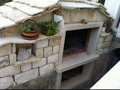 grill (house and surroundings) - 5460  R2(3) - Brela - Brela - rentals