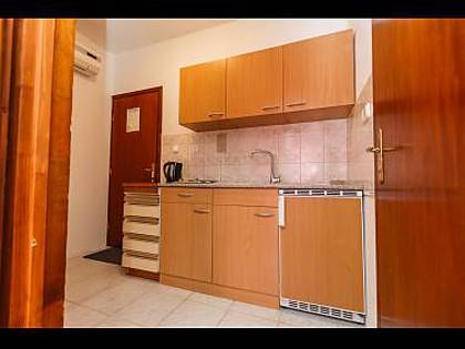 A3(2+1): kitchen - 5569  A3(2+1) - Okrug Donji - Okrug Donji - rentals