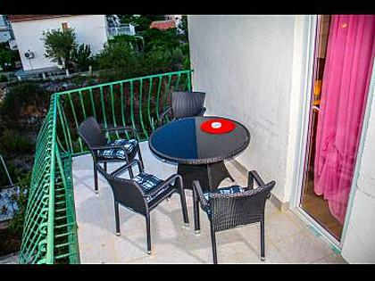 A7(2+2): terrace - 5569  A7(2+2) - Okrug Donji - Okrug Donji - rentals