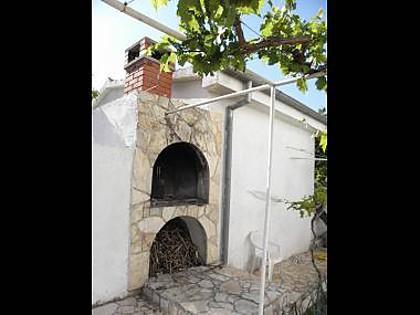 grill (house and surroundings) - 5624 A1(2+1) - Jezera - Jezera - rentals