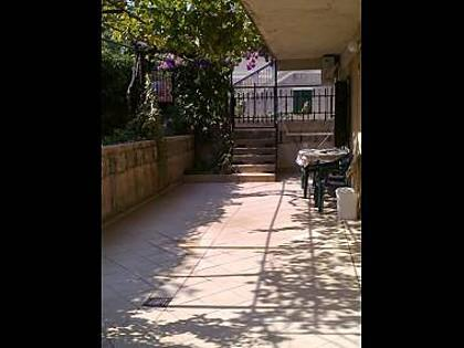 A1(2+2): garden terrace - 5737 A1(2+2) - Split - Split - rentals