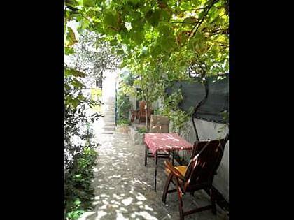 SA1(2+1): garden terrace - 5952 SA1(2+1) - Split - Split - rentals