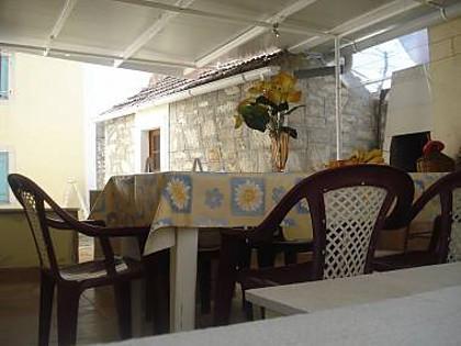 C(2+2): covered terrace (house and surroundings) - 6089 C(2+2) - Veli Rat - Veli Rat - rentals