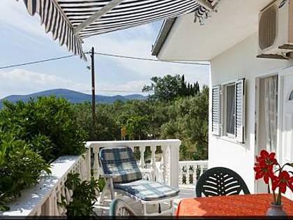 A1(4+1): terrace - 6123 A1(4+1) - Okrug Gornji - Okrug Gornji - rentals