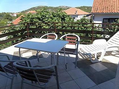 A1(2+2): terrace - 7884  A1(2+2) - Jezera - Jezera - rentals