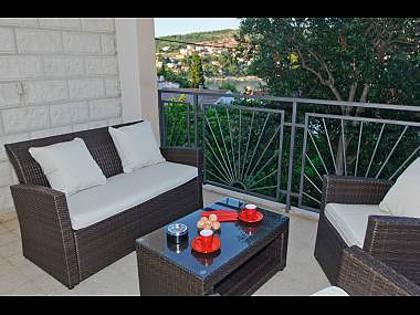 A1(4+2): covered terrace - 8189 A1(4+2) - Okrug Gornji - Okrug Gornji - rentals