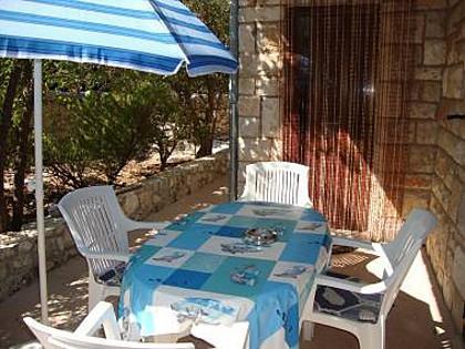 A5(5): garden terrace - 8273  A5(5) - Supetar - Supetar - rentals